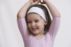 Lächelnde kleine Ballerina stockfotografie