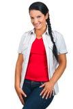 Lächelnde natürliche vorbildliche Frau lizenzfreies stockbild