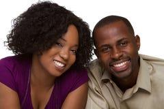 Lächelnde Paare stockfotos