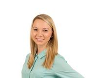 Lächelnde reizend blonde Frau Stockfoto