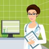 Lächelnde tragende Gläser Doktors in der Beratung Stockfotografie
