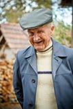 Lächelnder älterer Mann stockbilder