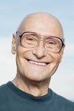 Lächelnder älterer Mann Stockfotos