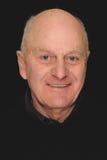Lächelnder älterer Mann Lizenzfreie Stockfotos