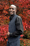 Lächelnder Afroamerikaner-Geschäftsmann Stockfotos