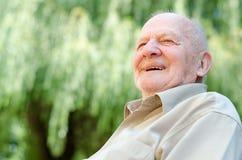 Lächelnder alter Mann Stockfotos