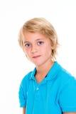 Lächelnder blonder Junge Lizenzfreie Stockfotos