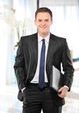 Lächelnder Geschäftsmann Lizenzfreies Stockfoto