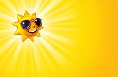 Lächelnder heißer gelber Sun mit Strahlen Stockfotos