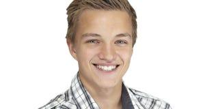 Lächelnder Junge lizenzfreie stockfotografie