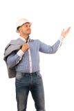 Lächelnder männlicher Ingenieur Carrying Coat auf Schulter Lizenzfreies Stockfoto