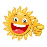 Lächelndes gelbes glückliches Sun-Geben Daumen oben Karikaturvektor auf weißem Hintergrund Lizenzfreie Stockfotos