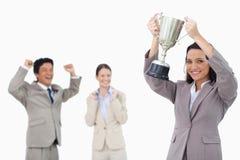 Lächelndes Geschäftsfrauholdingcup Lizenzfreies Stockfoto
