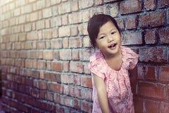 Lächelndes Gesicht von Kindern lizenzfreie stockfotos