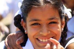 Lächelndes indisches Schulmädchen Stockbilder