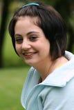 Lächelndes Jugendlichportrait Stockbild