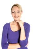 Lächelndes junges blondes Frauen-Porträt Stockfotografie