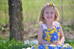 Lächelndes junges Mädchen Stockbild