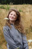 Lächelndes Landmädchen Stockbilder