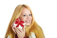 Lächelndes Mädchen auf Weihnachten Lizenzfreie Stockfotografie