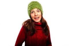Lächelndes Mädchen in der Winterart Lizenzfreies Stockfoto
