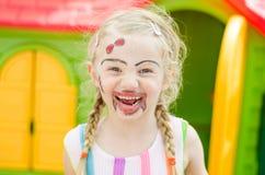 Lächelndes Mädchen mit dem Facepainting Lizenzfreie Stockbilder