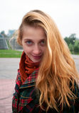 Lächelndes Mädchenportrait stockbilder