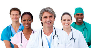 Lächelndes multiethnisches Ärzteteam lizenzfreies stockfoto