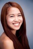 Lächelndes Porträt des natürlichen schönen asiatischen Mädchens lizenzfreies stockbild