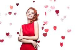 Lächelndes rot-haariges Mädchen Stockfotografie