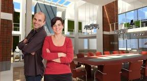 Lächelndes Team im Entwerferbüro lizenzfreie abbildung