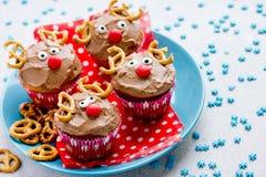 Läcker gåva för roliga julrenmuffin för ungar arkivbild