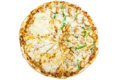 Läcker italiensk pizza över vit Fotografering för Bildbyråer