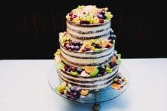 Läcker kaka för att gifta sig arkivfoto