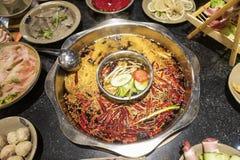 Läcker kryddig Sichuan varm kruka arkivbilder
