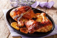 Läcker mat: grillade glasade fega ben med lavendelhonung Arkivbild