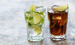 Läcker ny drink på tabellen Fotografering för Bildbyråer