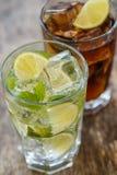 Läcker ny drink på tabellen Royaltyfri Foto