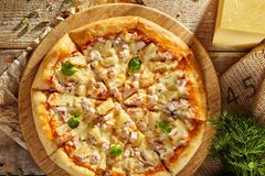 Läcker ny pizza Arkivbilder