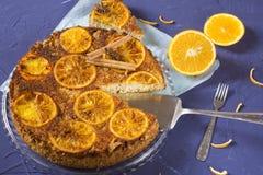 Läcker orange paj med kanel Arkivbilder