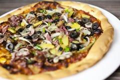 läcker pizza Arkivbilder