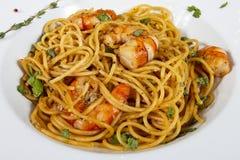 Läcker spagetti med räkor Italien mat royaltyfri fotografi