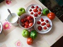 läcker sund frukost i byn royaltyfria bilder