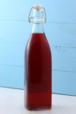 Läcker tranbärfruktsaft Arkivfoto