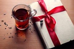 Läckert te med förälskelse Arkivfoto