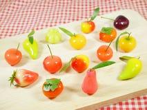 Läckra efterföljdfrukter eller Lookchoup arkivfoto