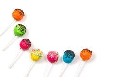 Läckra färgrika cakepops Arkivfoto