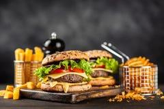 Läckra grillade hamburgare Royaltyfria Foton