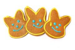 Läckra kakor på en vit bakgrund kanin easter Royaltyfria Foton