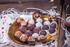 Läckra mouthwatering choklader arkivfoton